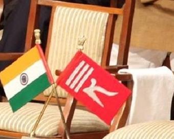कोर्ट का आदेश- जम्मू-कश्मीर में नहीं चलेंगे दो झंडे