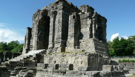 अद्भुत स्थापत्यकला का प्रतीक है कश्मीर का मार्तण्ड मन्दिर