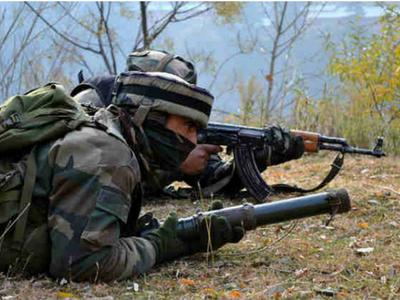 भारतीय सेना की गोलीबारी से नदी में गिरा पाक सेना का वाहन, चार सैनिकों की मौत