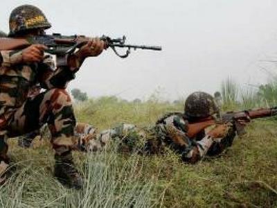 LoC पर पाकिस्तान तोड़ा सीजफायर, भारतीय जवानों ने भी दिया माकूल जवाब
