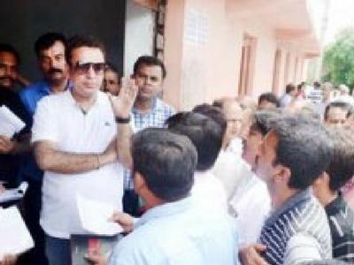 Kashmiri migrants to get new ration cards: Zulfkar