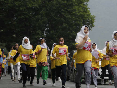 Valley residents run for peace