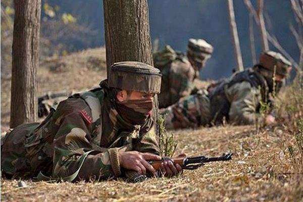 कश्मीर घाटी में आतंकियों ने तीन जगहों पर किया ग्रेनेड हमला