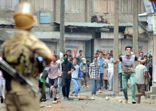 Mob mentality: a new normal in Kashmir that leaders need to challenge