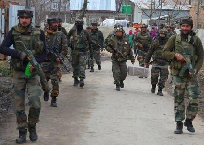 जम्मू कश्मीर के कुपवाड़ा मुठभेड़ में पांच सुरक्षाकर्मी शहीद, पांच आतंकी मारे गए