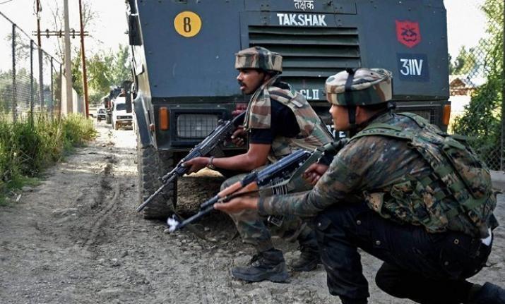 भारतीय सेना की कार्रवाई से भागे आतंकी