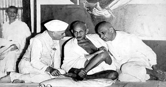 दुर्भाग्य से हिन्दू : जवाहरलाल नेहरू