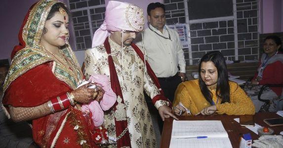 जम्मू कश्मीर की 2 सीटों पर मतदान शांतिपूर्ण तरीके से खत्म, ऊधमपुर में 68 फीसदी से ज्यादा पोलिंग, श्रीनगर में 20 फीसदी मतदान