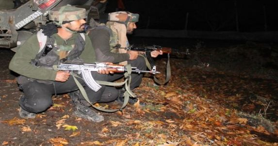 बारामूला में आतंकियों ने किया आर्मी पेट्रोल पार्टी पर हमला, जवाबी फायरिंग में 2 आतंकी ढेर