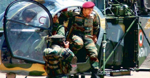 जम्मू कश्मीर में पैराशूट रेजीमेंट के साथ 2 महीने की आर्मी ट्रेनिंग लेंगे लेफ्टिनेंट कर्नल महेंद्र सिंह धोनी