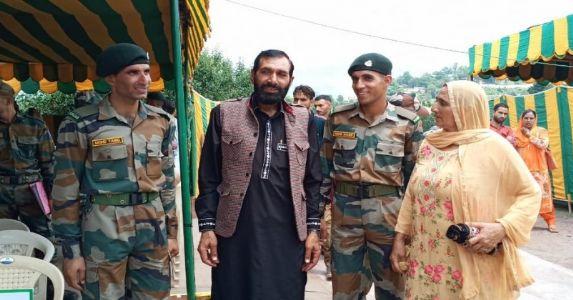 शहीद औरंगज़ेब के दो भाईयों ने ज्वाइन की इंडियन आर्मी, 2 और सपूत देश के नाम करने वाले देशभक्त परिवार को नमन