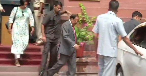 गृह मंत्रालय में जम्मू-कश्मीर के मौजूदा हालात पर हुई उच्चस्तरीय बैठक, अमित शाह, अजीत डोभाल सहित सुरक्षा एजेंसी के अधिकारी रहे मौजूद