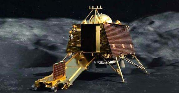 शानदार खबर, चांद पर लैंड हुआ विक्रम लैंडर, ऑर्बिटर ने खोजी लोकेशन, जल्द संपर्क स्थापित होने की संभावना बरकरार