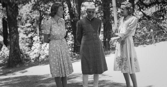 मई 1948, जब जम्मू कश्मीर जल रहा था और पंडित नेहरू मशोबरा-शिमला में माउंटबेटन कपल के साथ छुट्टी मना रहे थे
