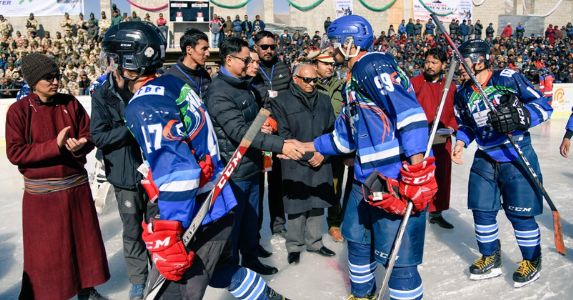 लद्दाख में शीतकालीन खेलो इंडिया गेम का हुआ शुभारंभ, करीब 1700 खिलाड़ियों ने लिया हिस्सा