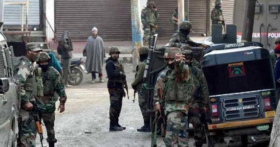 शोपियां एनकाउंटर में अल-बदर आतंकी संगठन के 3 आतंकवादी ढेर,  एक आतंकी ने किया सरेंडर